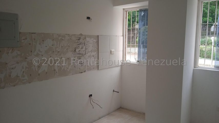 Apartamento Distrito Metropolitano>Caracas>Lomas del Avila - Venta:24.900 Precio Referencial - codigo: 21-23676