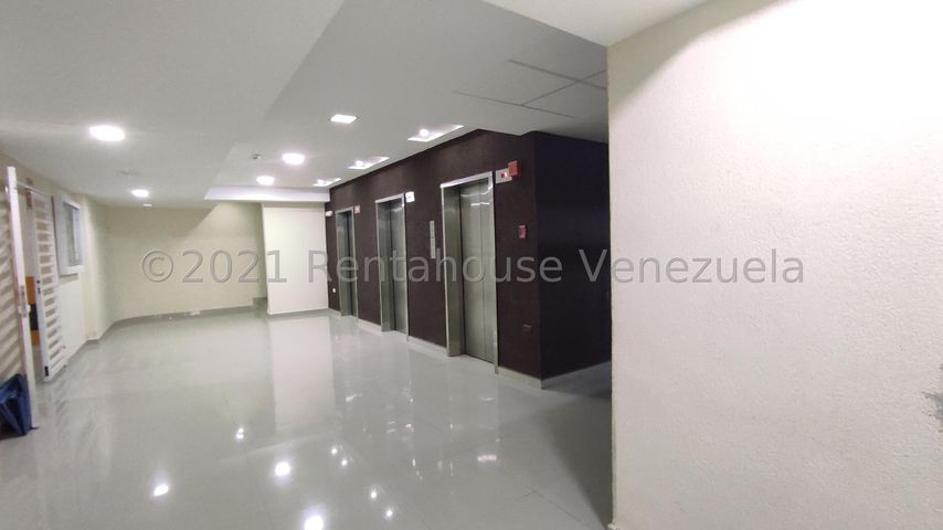 Apartamento Aragua>Maracay>Base Aragua - Venta:135.000 Precio Referencial - codigo: 21-23544