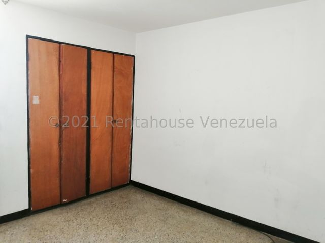 Casa Zulia>Maracaibo>Lago Azul - Venta:9.000 Precio Referencial - codigo: 21-23557