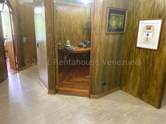 Oficina Distrito Metropolitano>Caracas>La Lagunita Country Club - Alquiler:700 Precio Referencial - codigo: 21-23690
