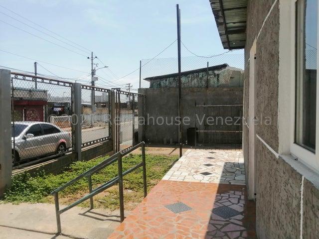 Terreno Zulia>Maracaibo>Centro - Venta:4.000 Precio Referencial - codigo: 21-23754