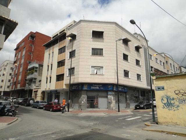 Apartamento Distrito Metropolitano>Caracas>Chacao - Venta:59.000 Precio Referencial - codigo: 21-23801