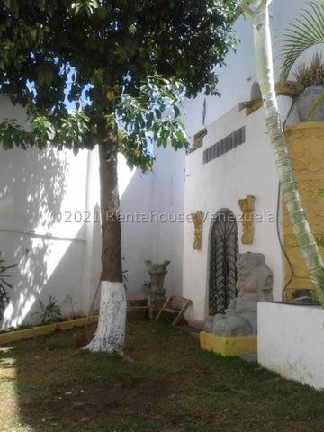 Casa Distrito Metropolitano>Caracas>El Paraiso - Venta:410.000 Precio Referencial - codigo: 21-20565