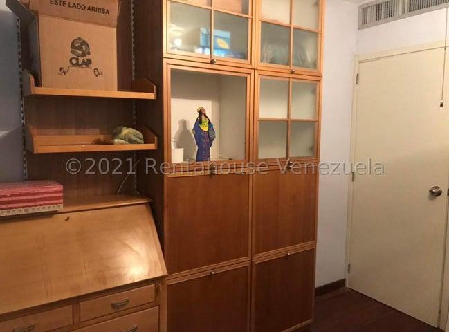 Townhouse Zulia>Maracaibo>Avenida Milagro Norte - Venta:100.000 Precio Referencial - codigo: 21-24053