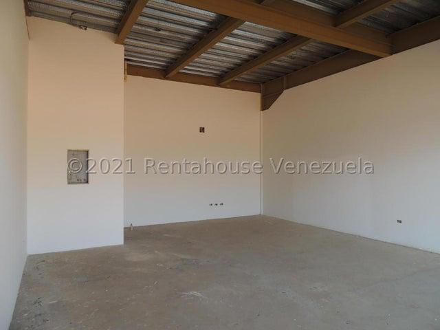 Edificio Zulia>Municipio San Francisco>San Francisco - Alquiler:2.500 Precio Referencial - codigo: 21-24271