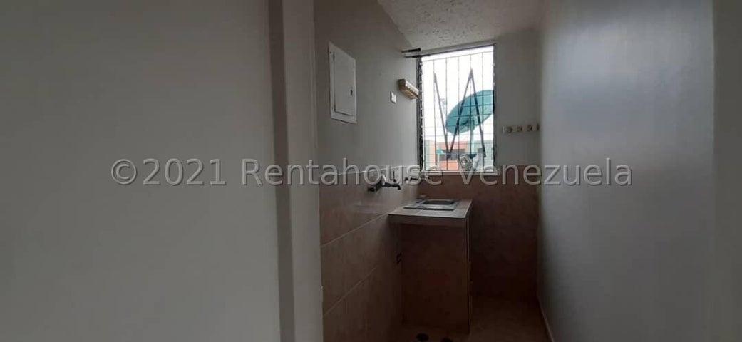 Apartamento Aragua>Maracay>Narayola Dos - Venta:16.000 Precio Referencial - codigo: 21-24329