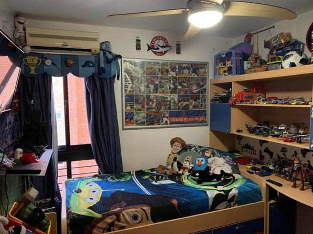 Apartamento Distrito Metropolitano>Caracas>La Bonita - Venta:80.000 Precio Referencial - codigo: 21-24515