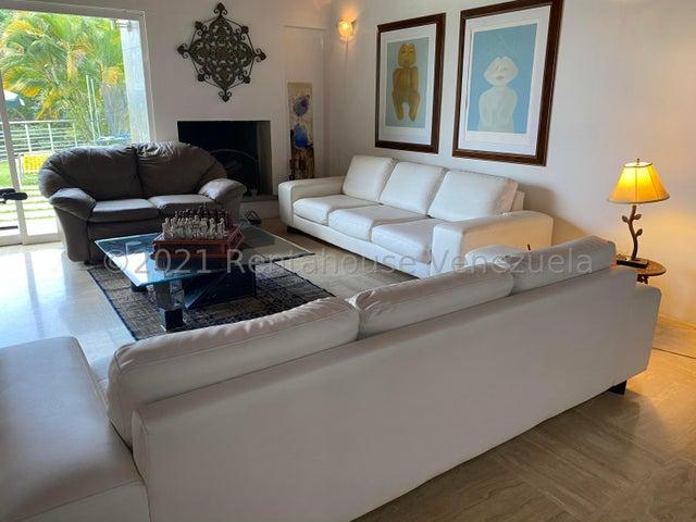 Casa Distrito Metropolitano>Caracas>Oripoto - Venta:820.000 Precio Referencial - codigo: 21-24647