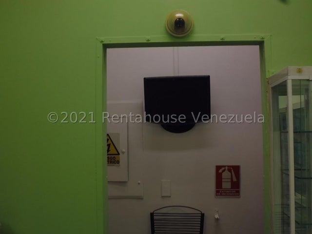 Local Comercial Distrito Metropolitano>Caracas>Petare - Venta:30.000 Precio Referencial - codigo: 21-25088