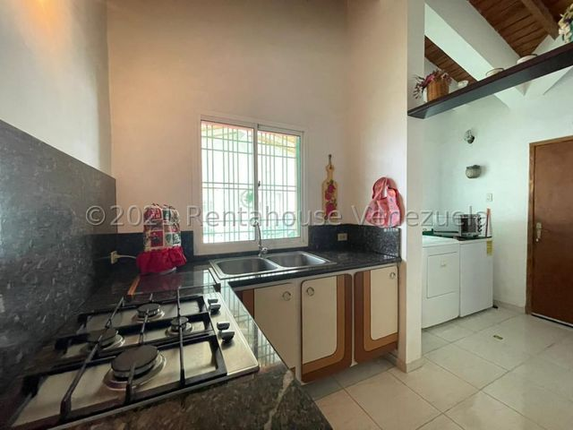 Casa Falcon>Punto Fijo>Puerta Maraven - Venta:25.000 Precio Referencial - codigo: 21-24866
