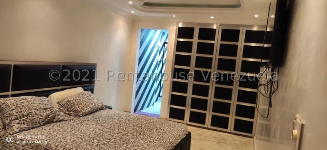 Apartamento Vargas>Parroquia Caraballeda>Caribe - Venta:45.000 Precio Referencial - codigo: 21-24807