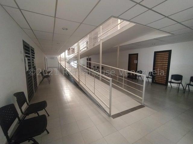 Oficina Lara>Cabudare>Centro - Alquiler:120 Precio Referencial - codigo: 21-25266