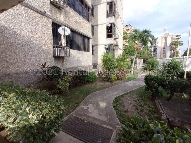Apartamento Aragua>Maracay>San Jacinto - Venta:20.000 Precio Referencial - codigo: 21-24843