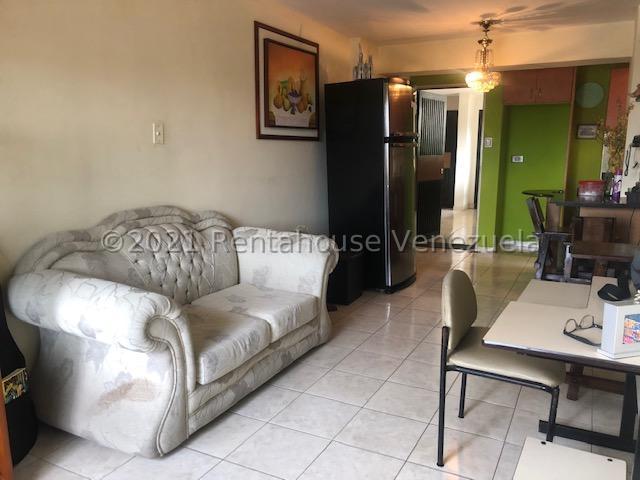 Apartamento Carabobo>Municipio Naguanagua>Tazajal - Venta:19.000 Precio Referencial - codigo: 21-24904