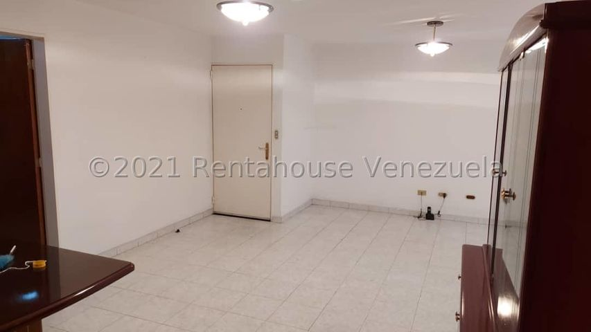 Apartamento Distrito Metropolitano>Caracas>Lomas del Avila - Venta:55.000 Precio Referencial - codigo: 21-25187