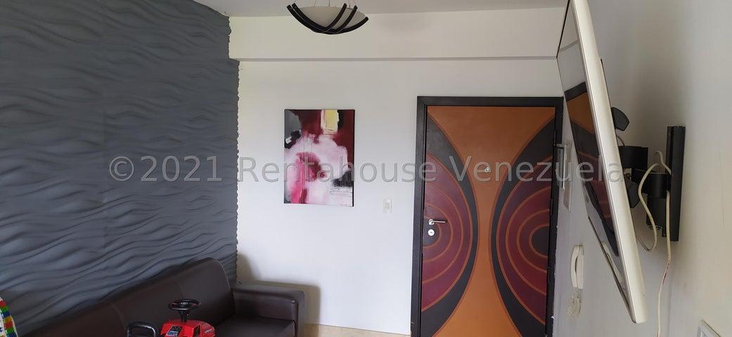 Apartamento Carabobo>Municipio Naguanagua>Tazajal - Venta:37.000 Precio Referencial - codigo: 21-24959