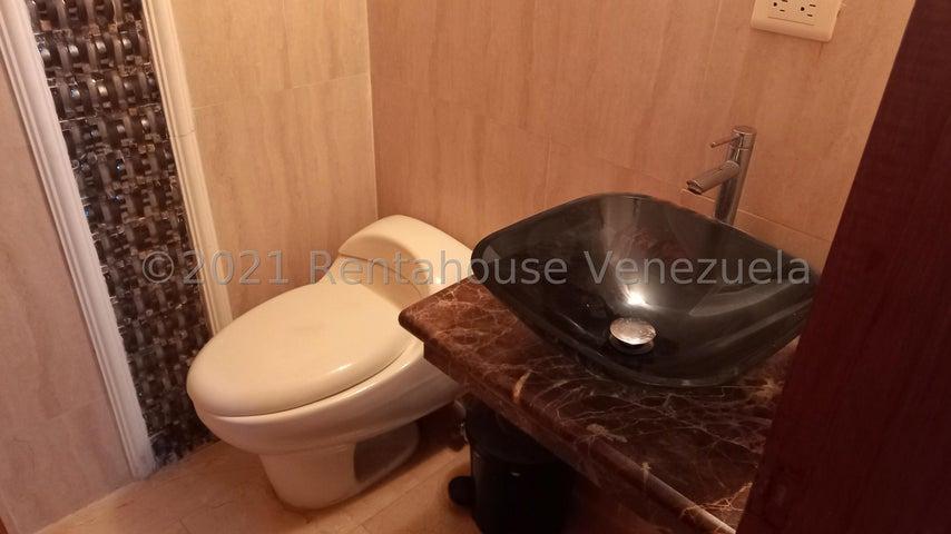 Townhouse Zulia>Maracaibo>Fuerzas Armadas - Venta:39.000 Precio Referencial - codigo: 21-25064