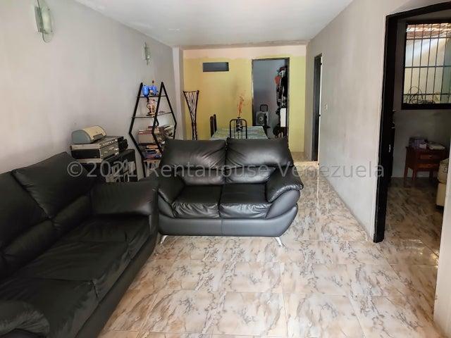 Casa Miranda>Guatire>El Ingenio - Venta:25.000 Precio Referencial - codigo: 21-25072