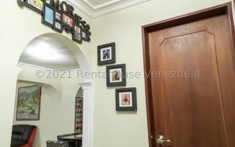 Apartamento Miranda>San Antonio de los Altos>Las Salias - Venta:45.000 Precio Referencial - codigo: 21-25080