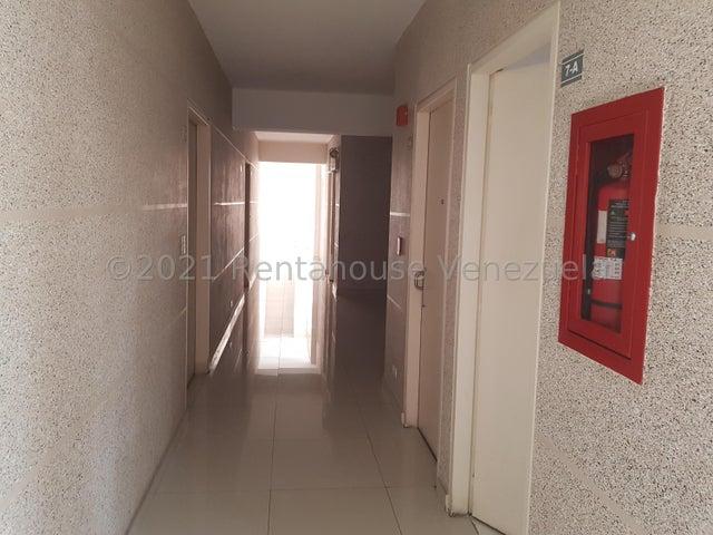 Apartamento Distrito Metropolitano>Caracas>El Rosal - Alquiler:900 Precio Referencial - codigo: 21-25090