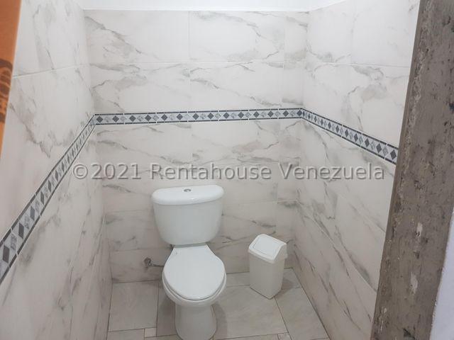 Townhouse Miranda>Guarenas>Nueva Casarapa - Venta:26.000 Precio Referencial - codigo: 21-25217