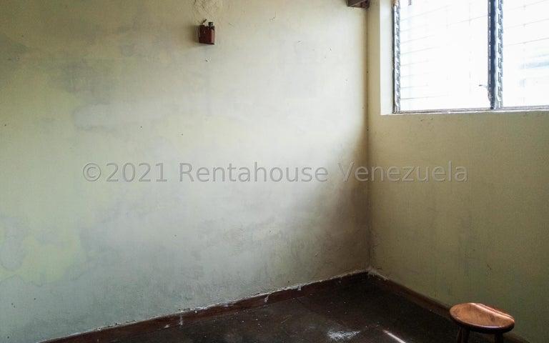 Casa Distrito Metropolitano>Caracas>Prados del Este - Venta:250.000 Precio Referencial - codigo: 21-25308