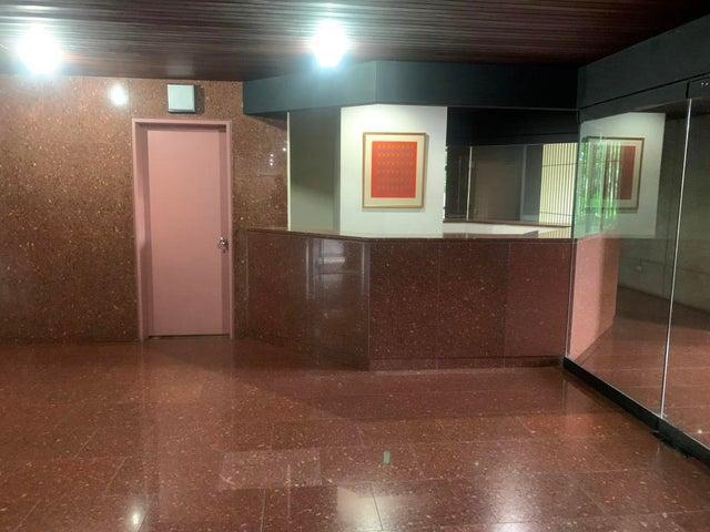 Apartamento Distrito Metropolitano>Caracas>El Rosal - Venta:120.000 Precio Referencial - codigo: 21-25280
