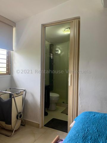 Casa Distrito Metropolitano>Caracas>Lomas de La Trinidad - Venta:250.000 Precio Referencial - codigo: 21-25252