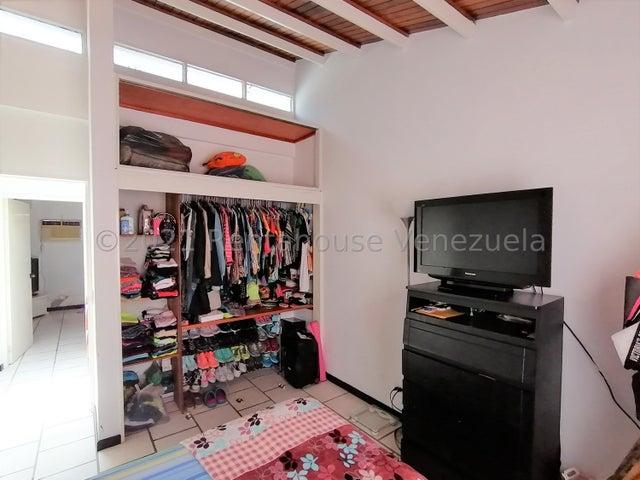 Casa Lara>Barquisimeto>Zona Este - Venta:130.000 Precio Referencial - codigo: 21-25268