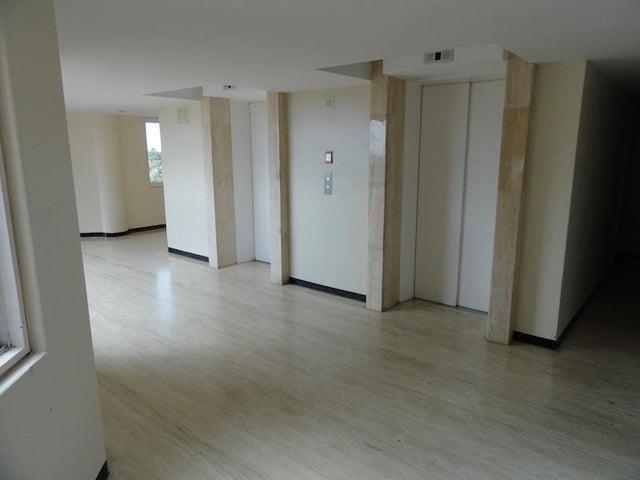 Apartamento Distrito Metropolitano>Caracas>El Hatillo - Alquiler:300 Precio Referencial - codigo: 21-25283