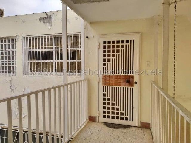 Apartamento Zulia>Maracaibo>Avenida Goajira - Venta:10.000 Precio Referencial - codigo: 21-25284