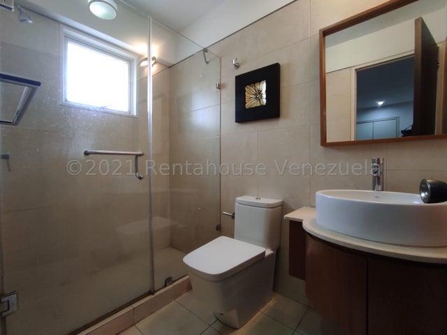 Apartamento Distrito Metropolitano>Caracas>Campo Alegre - Alquiler:1.700 Precio Referencial - codigo: 21-25286
