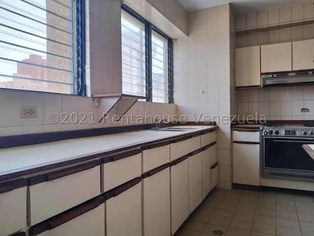 Apartamento Zulia>Maracaibo>La Lago - Venta:60.000 Precio Referencial - codigo: 21-25291