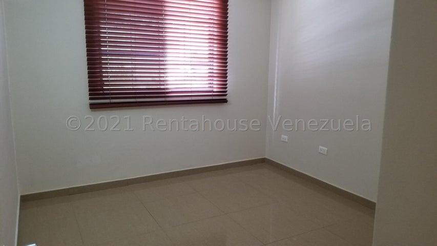 Apartamento Distrito Metropolitano>Caracas>Los Naranjos Humboldt - Venta:40.000 Precio Referencial - codigo: 20-23585