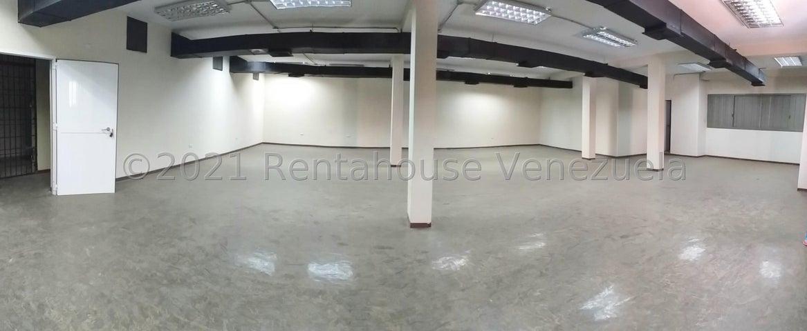 Local Comercial Falcon>Coro>Centro - Alquiler:400 Precio Referencial - codigo: 21-25320