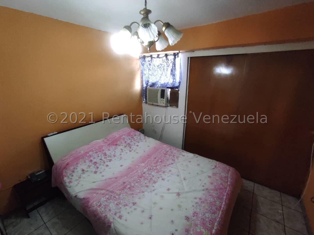 Apartamento Carabobo>Municipio Naguanagua>Casco Central - Venta:9.500 Precio Referencial - codigo: 21-25328