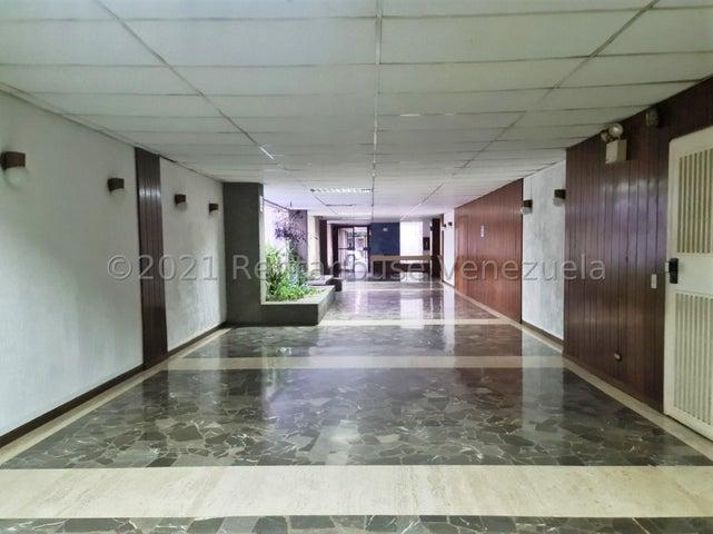 Apartamento Distrito Metropolitano>Caracas>Los Palos Grandes - Alquiler:500 Precio Referencial - codigo: 21-25473