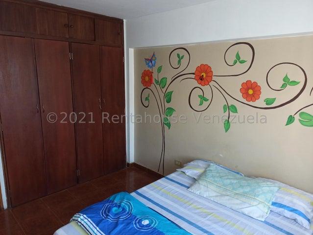 Apartamento Miranda>Los Teques>Los Teques - Venta:14.600 Precio Referencial - codigo: 21-25558
