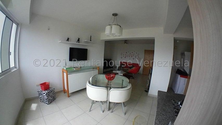 Apartamento Carabobo>Valencia>Las Chimeneas - Venta:32.000 Precio Referencial - codigo: 21-25561