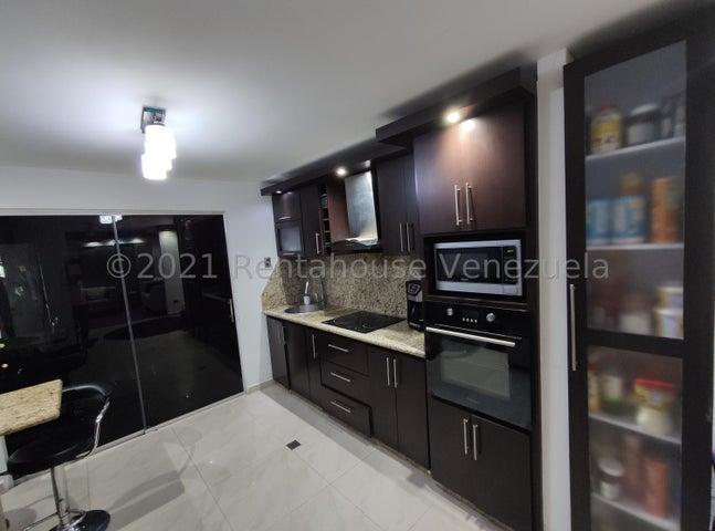 Casa Lara>Cabudare>Tarabana Plaza - Venta:50.000 Precio Referencial - codigo: 21-25616