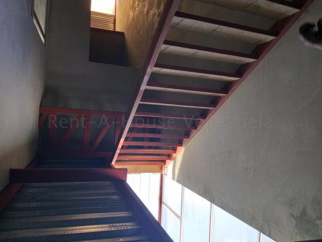 Local Comercial Zulia>Municipio San Francisco>La Coromoto - Venta:260.000 Precio Referencial - codigo: 21-25708