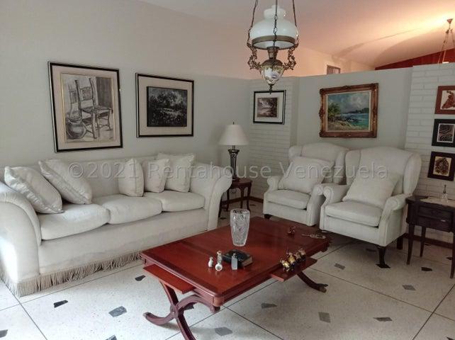 Casa Aragua>Maracay>Cantarana - Venta:230.000 Precio Referencial - codigo: 21-25871