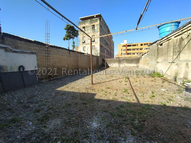 Local Comercial Lara>Barquisimeto>Centro - Alquiler:300 Precio Referencial - codigo: 21-25955