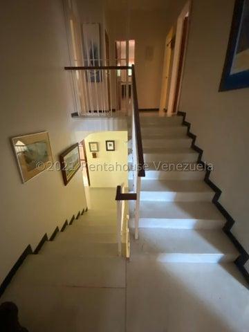 Casa Distrito Metropolitano>Caracas>Santa Marta - Venta:290.000 Precio Referencial - codigo: 21-26161