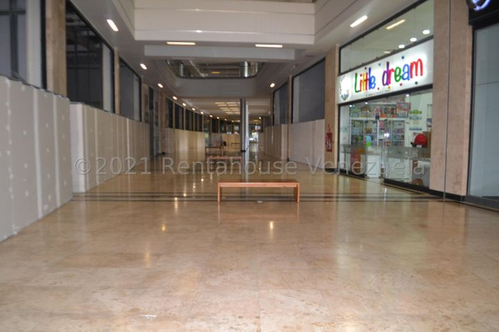 Local Comercial Distrito Metropolitano>Caracas>Los Naranjos del Cafetal - Venta:198.000 Precio Referencial - codigo: 21-26144
