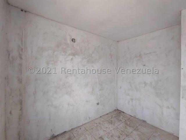 Casa Lara>Cabudare>El Amanecer - Venta:7.800 Precio Referencial - codigo: 21-26167