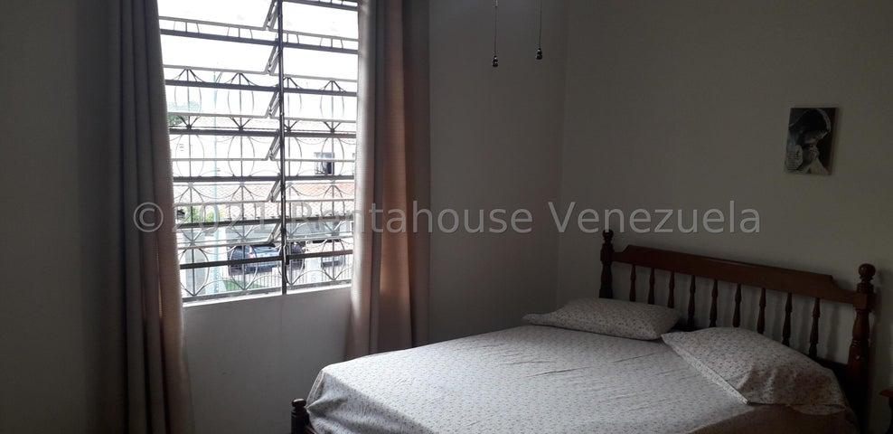 Casa Distrito Metropolitano>Caracas>Colinas de Los Ruices - Venta:185.000 Precio Referencial - codigo: 21-26338