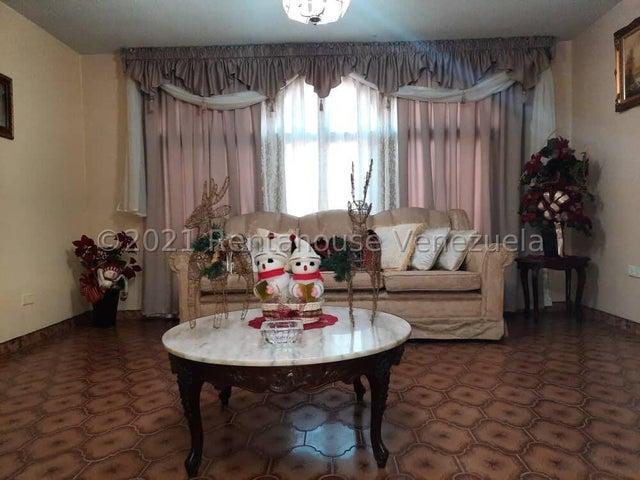 Casa Zulia>Ciudad Ojeda>Calle Piar - Venta:65.000 Precio Referencial - codigo: 21-26336