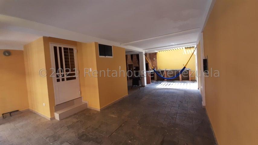 Townhouse Carabobo>Municipio Naguanagua>Manantial - Venta:40.000 Precio Referencial - codigo: 21-26269