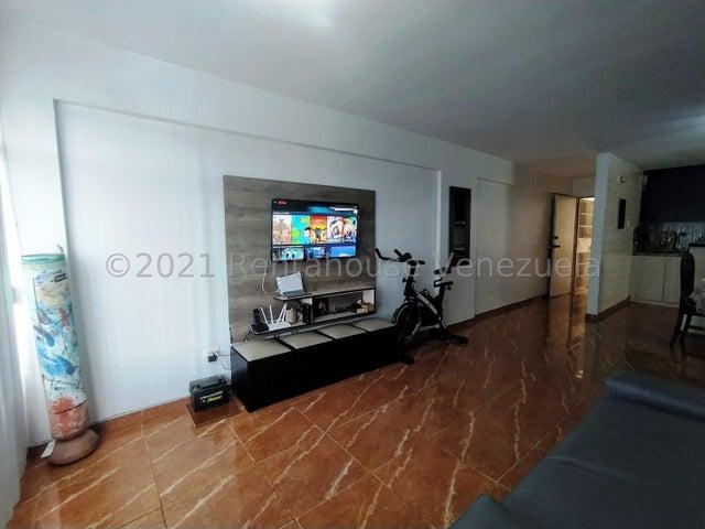 Apartamento Lara>Cabudare>Centro - Venta:17.000 Precio Referencial - codigo: 21-26305